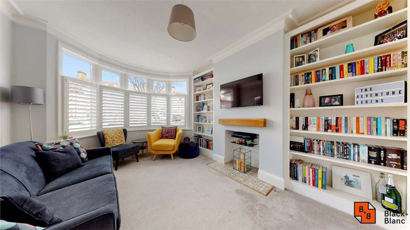3 bed house for sale in Wydehurst Road  - Property Image 3