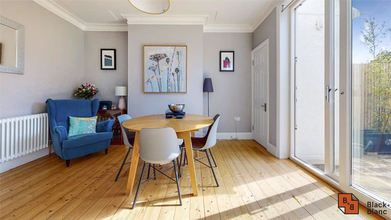 3 bed house for sale in Wydehurst Road  - Property Image 5