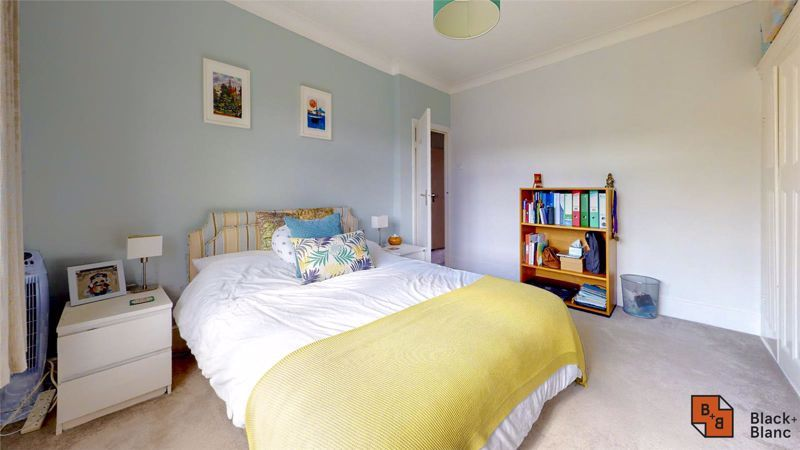 3 bed house for sale in Wydehurst Road 7