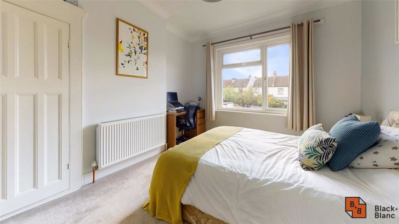 3 bed house for sale in Wydehurst Road 8