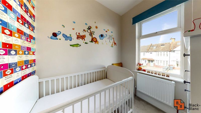 3 bed house for sale in Wydehurst Road  - Property Image 10