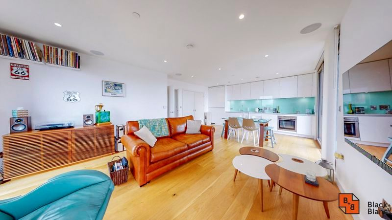 2 bed flat for sale in Caithness Walk  - Property Image 1
