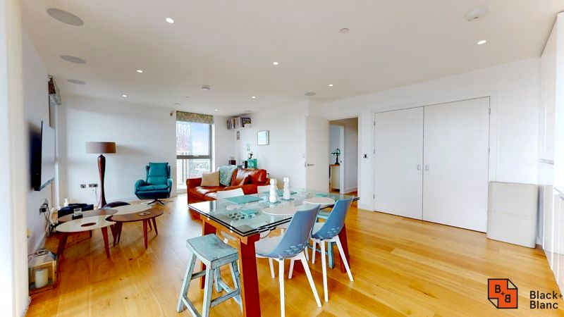 2 bed flat for sale in Caithness Walk 3