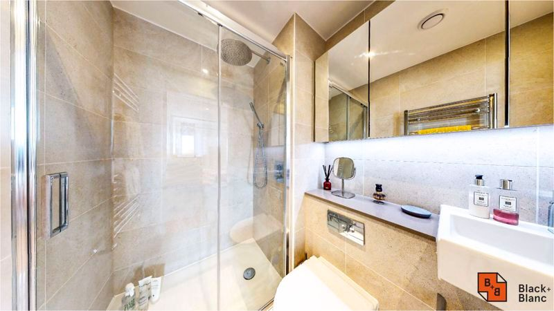 2 bed flat for sale in Caithness Walk  - Property Image 8
