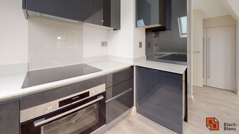 2 bed flat for sale in Northampton Road  - Property Image 4