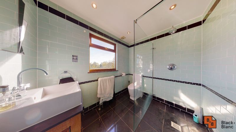 4 bed house for sale in Cypress Road 11