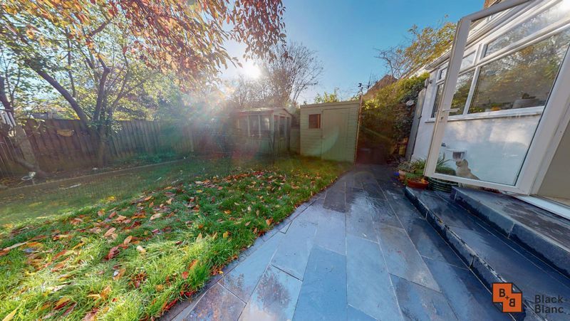 4 bed house for sale in Cypress Road  - Property Image 15