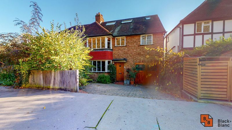 4 bed house for sale in Cypress Road 16