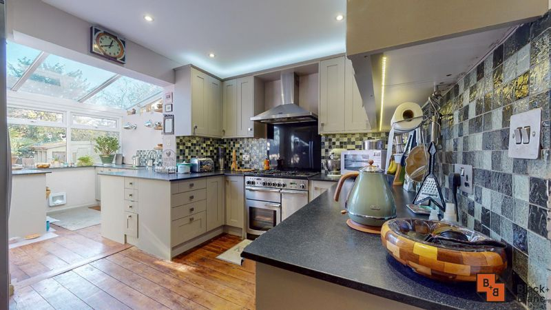4 bed house for sale in Cypress Road  - Property Image 3