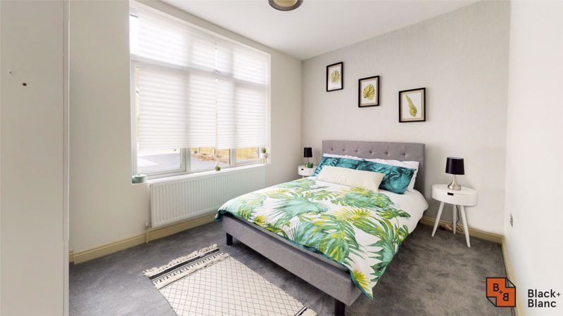 2 bed flat for sale in Northampton Road  - Property Image 6