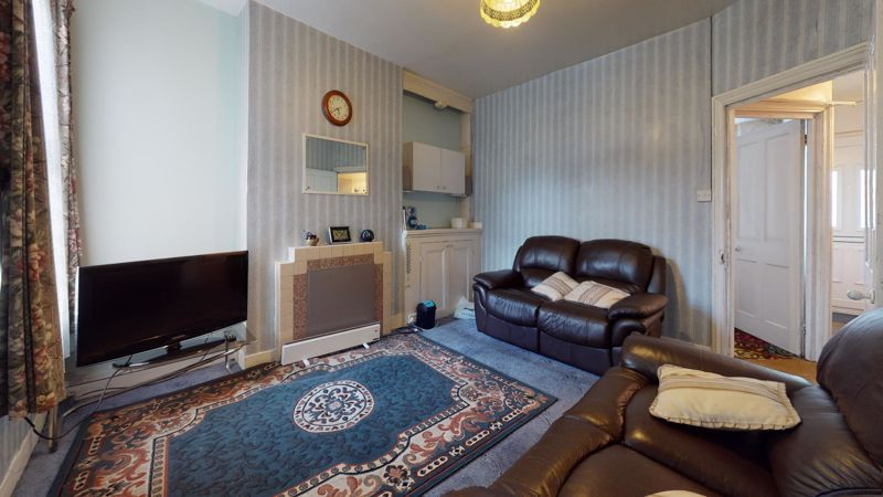 3 bed house for sale in Hampton Road 2