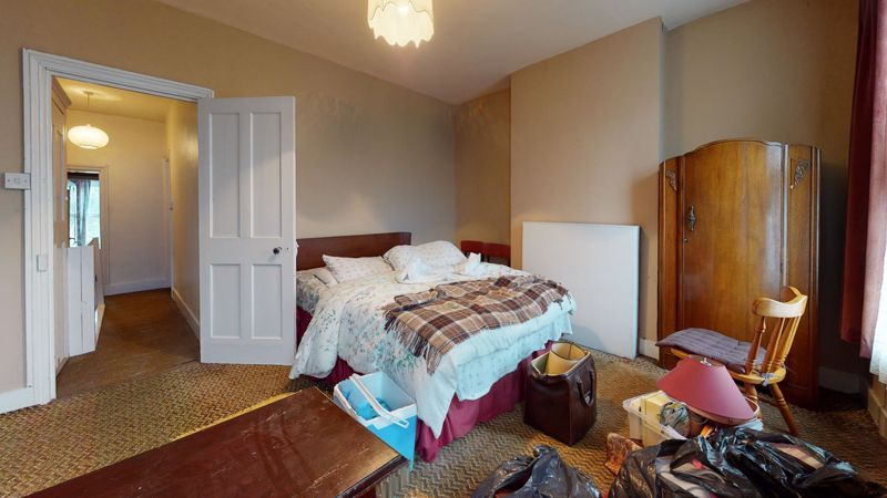 3 bed house for sale in Hampton Road 4