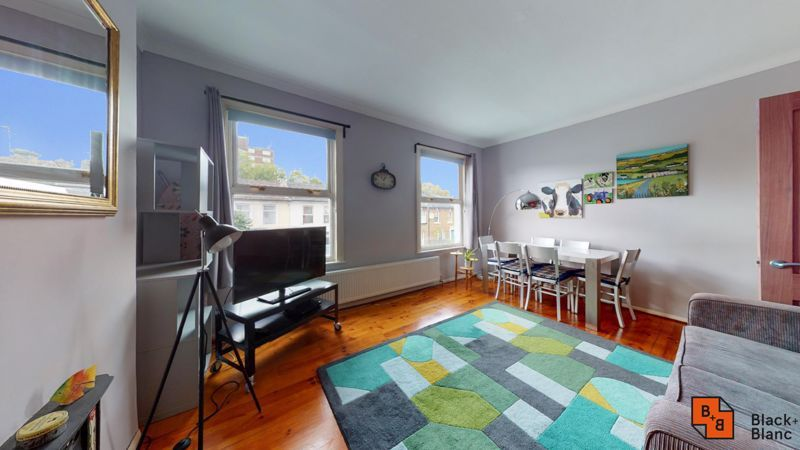 1 bed flat to rent in Davidson Road  - Property Image 2