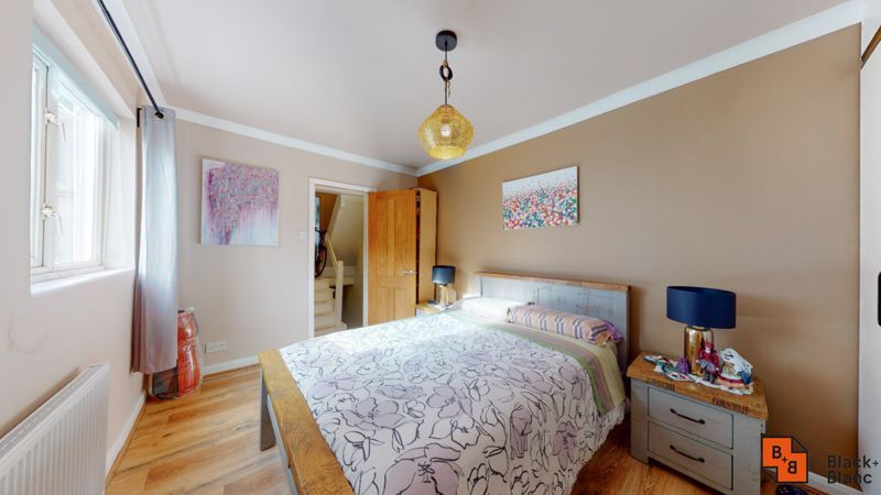 1 bed flat to rent in Davidson Road 5