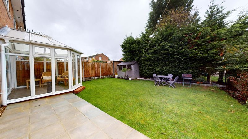4 bed house for sale in Herondale 12