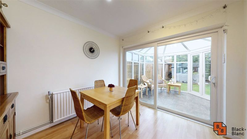4 bed house for sale in Herondale  - Property Image 5