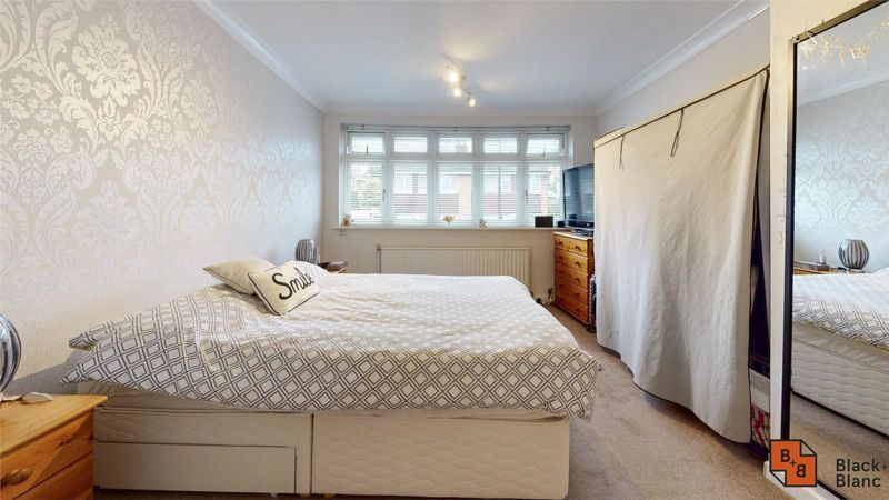 4 bed house for sale in Herondale 8