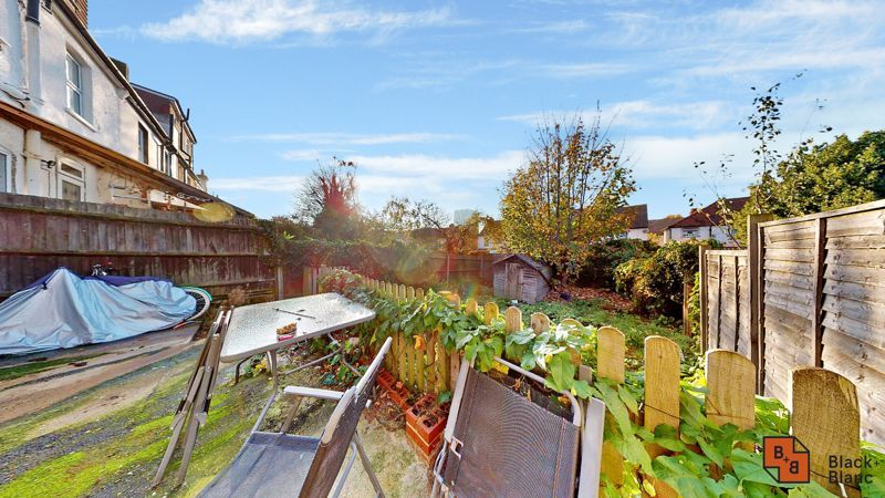 3 bed house for sale in Sydenham Road 11