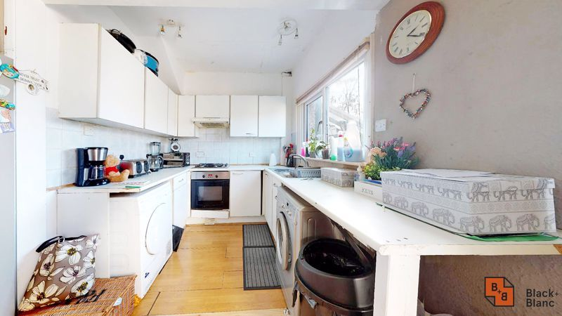 3 bed house for sale in Sydenham Road 6
