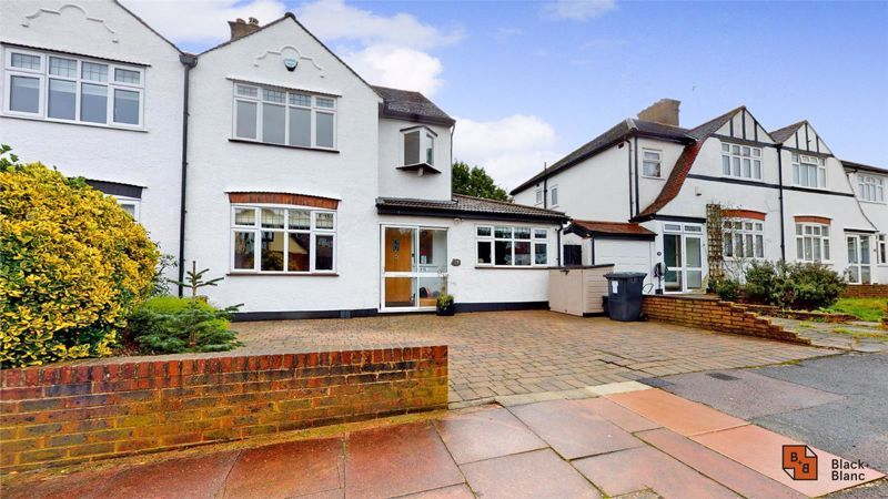 4 bed house for sale in Croft Avenue, BR4