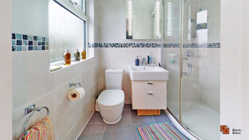 4 bed house for sale in Croft Avenue  - Property Image 12