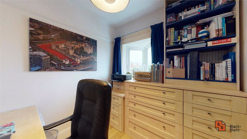 4 bed house for sale in Croft Avenue 15