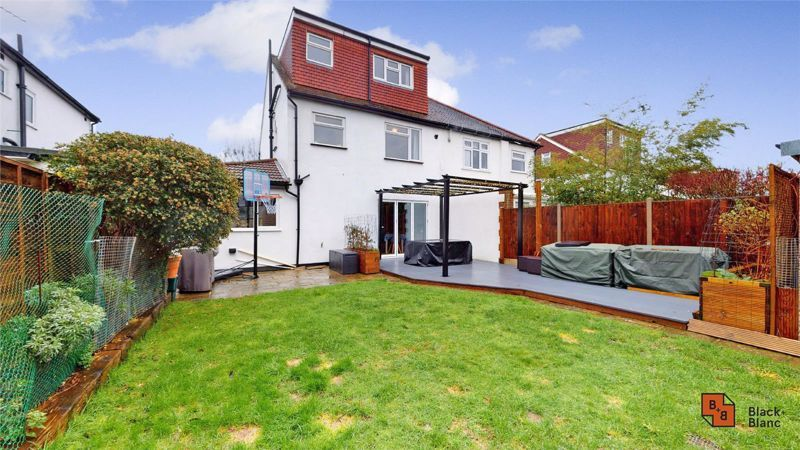 4 bed house for sale in Croft Avenue  - Property Image 16