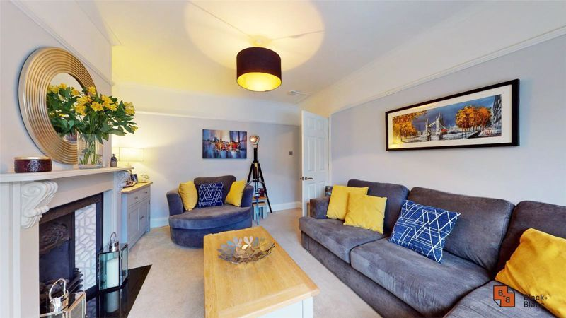 4 bed house for sale in Croft Avenue 7