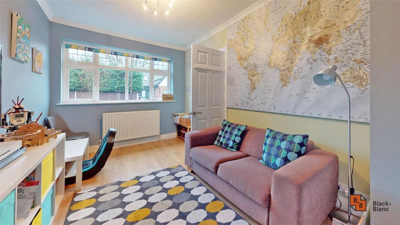 4 bed house for sale in Croft Avenue  - Property Image 9