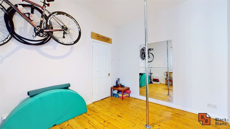 3 bed house for sale in Alexandra Road  - Property Image 6