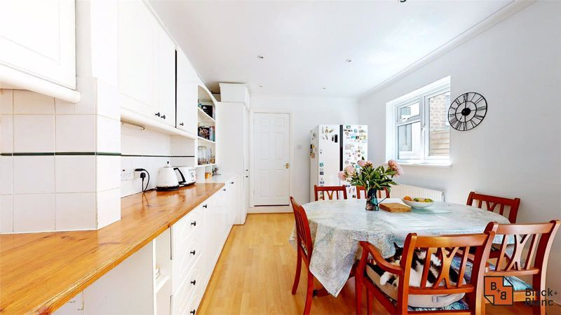 3 bed house for sale in Alexandra Road 7