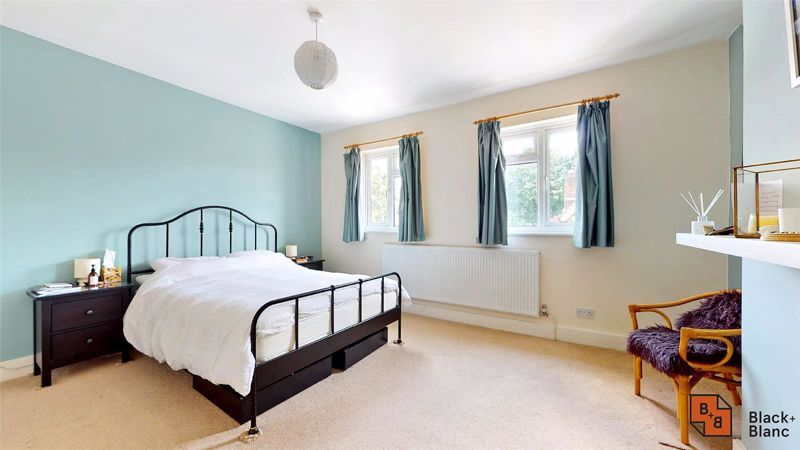 3 bed house for sale in Alexandra Road 10
