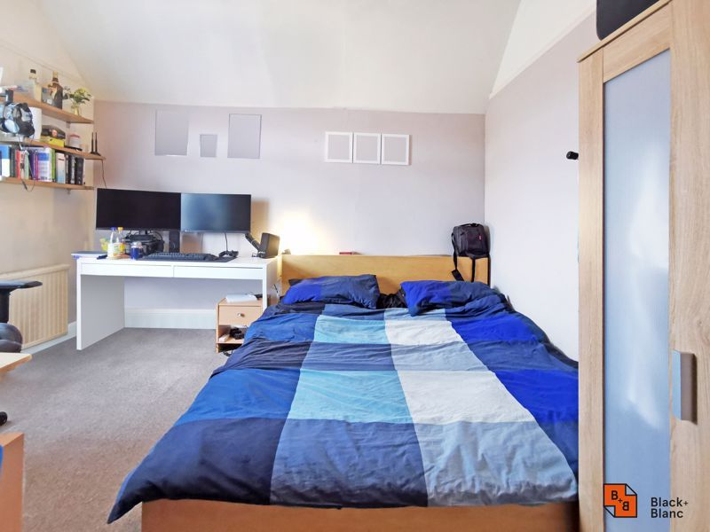 2 bed flat for sale in High Street  - Property Image 4