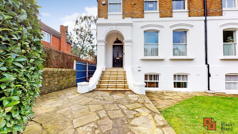 2 bed flat for sale in Outram Road  - Property Image 1