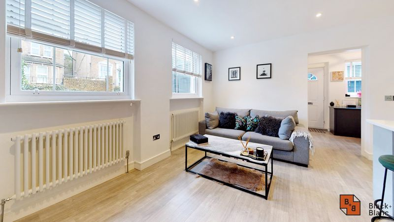 2 bed flat for sale in Outram Road  - Property Image 3