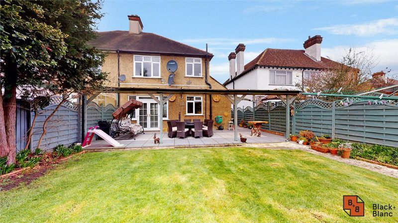 3 bed house for sale in Village Way 15