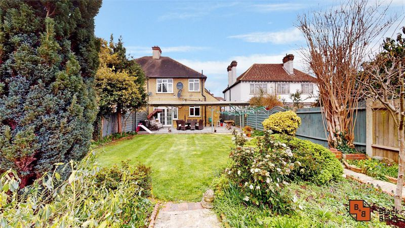 3 bed house for sale in Village Way 18