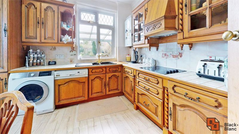 3 bed house for sale in Village Way 6