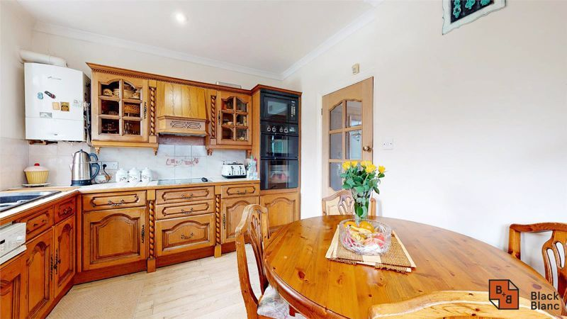 3 bed house for sale in Village Way 7