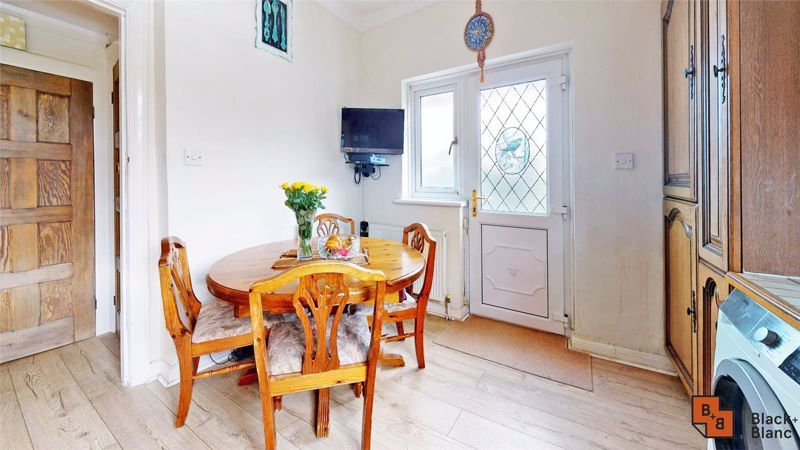 3 bed house for sale in Village Way  - Property Image 8