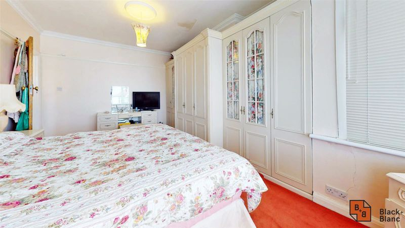 3 bed house for sale in Village Way 10