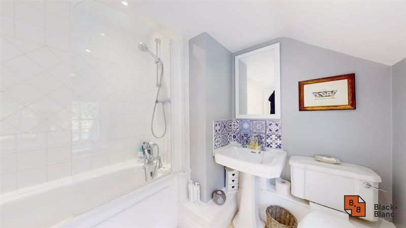 3 bed house for sale in Baston Manor Road 17