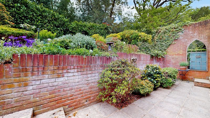 3 bed house for sale in Baston Manor Road 10