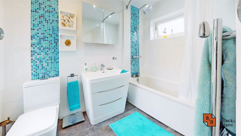 4 bed house for sale in Tower View  - Property Image 15