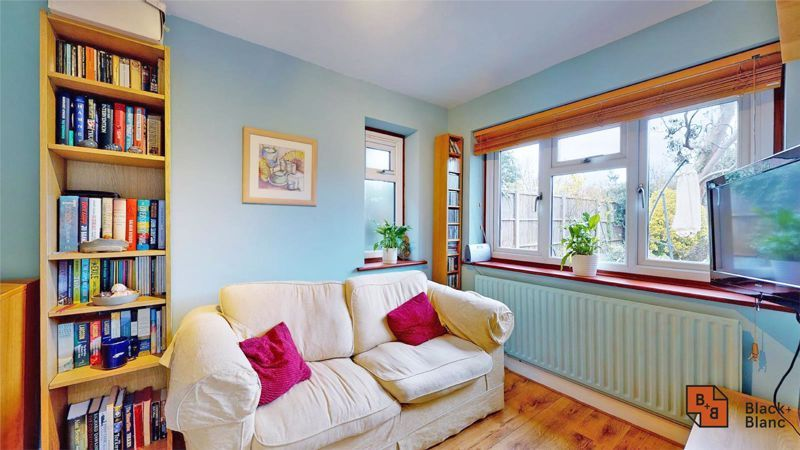4 bed house for sale in Tower View 6