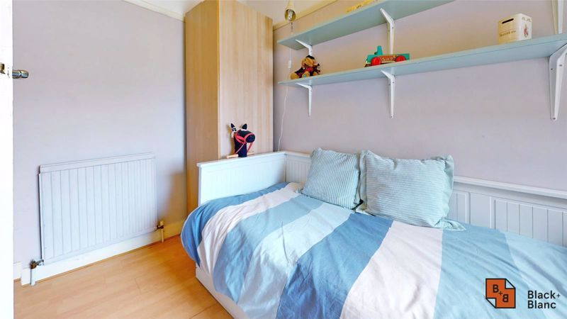 4 bed house for sale in Tower View 9