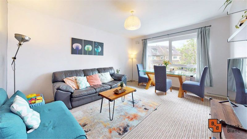 2 bed flat for sale in Morland Road, CR0