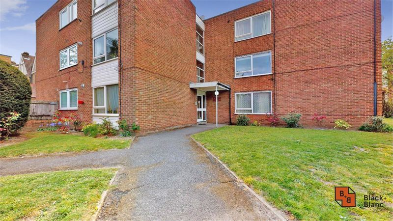 2 bed flat for sale in Morland Road 11