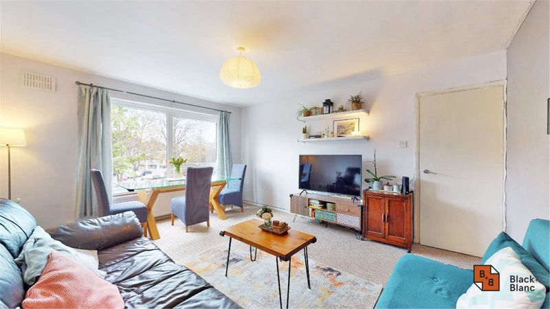 2 bed flat for sale in Morland Road 4