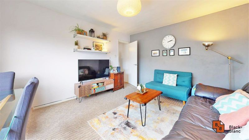 2 bed flat for sale in Morland Road 5